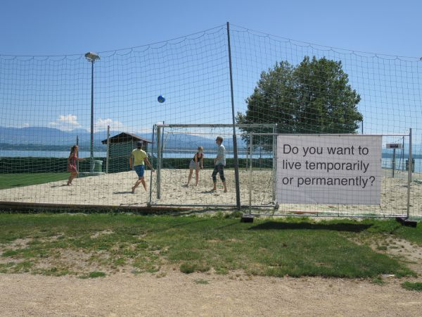 billboards_far_Nyon08_1.JPG